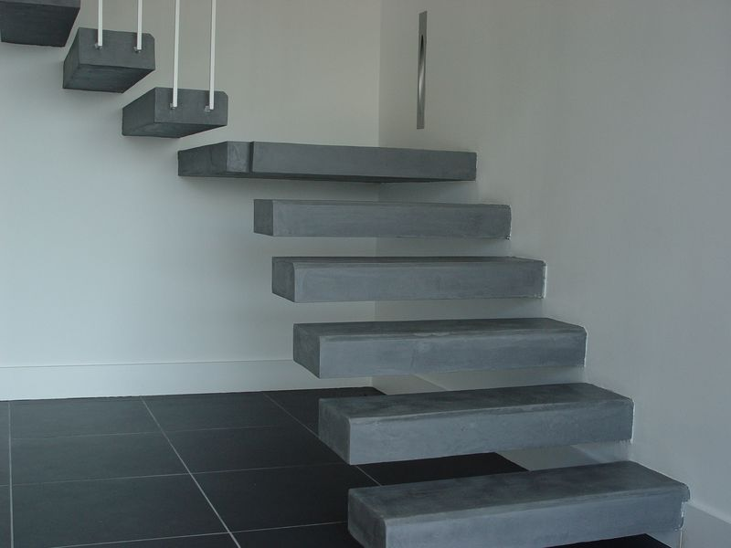 escalier-bas-de-face