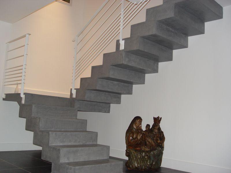 re-escalier-haut